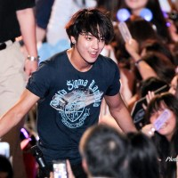 [Pic] 120429 CNBLUE Performance Fantaken Candids @ E-DA Music Festival