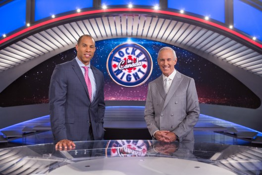 Hockey Night in Canada hosts David Amber (L) and Ron MacLean (R). (CNW Group/Sportsnet)