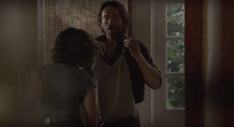 Sleepy-Hollow-Season-3-Abbie-Ichabod-Roomies
