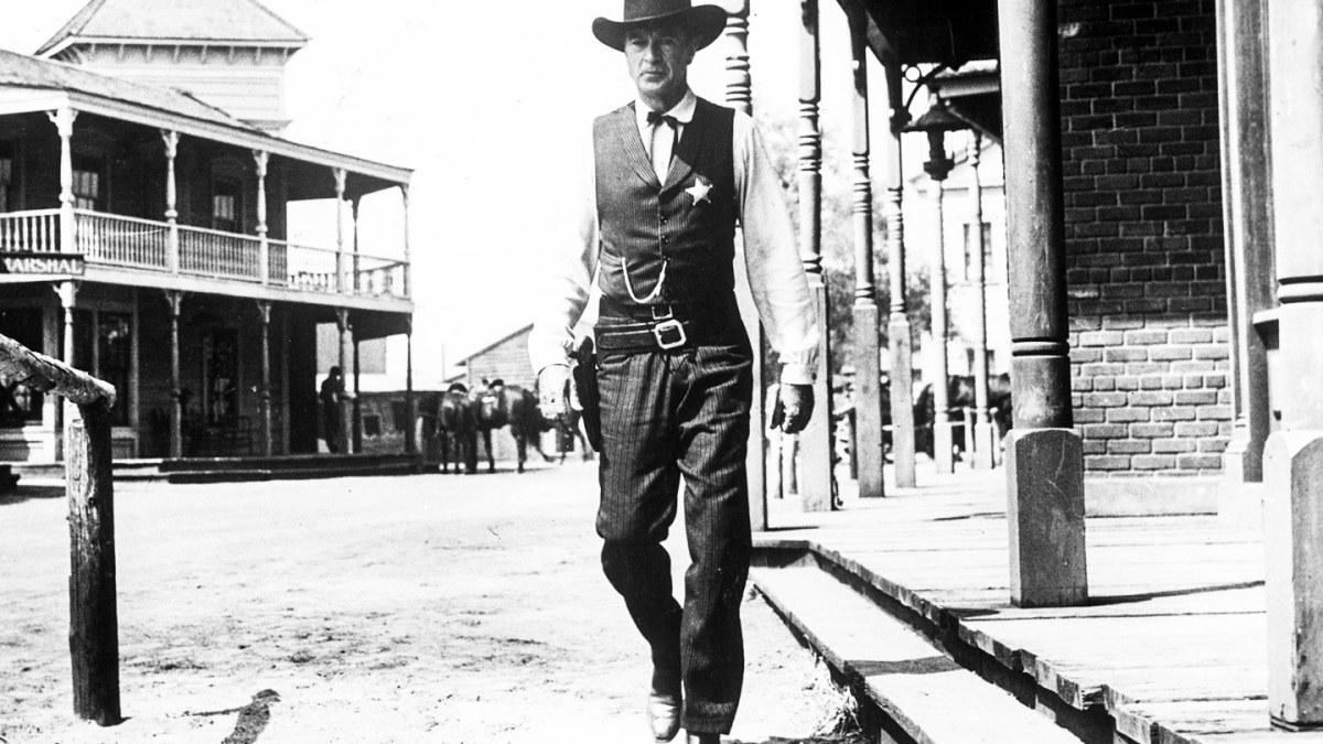 Things That Caught My Eye: High Noon / Rio Bravo, by Alex Dabertin