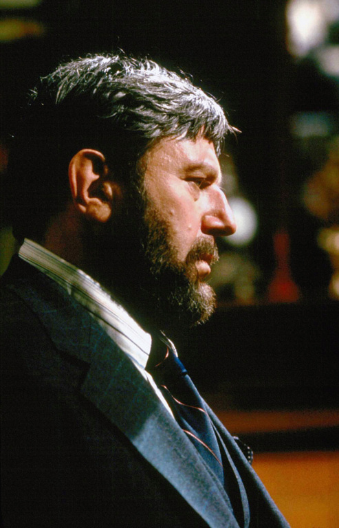 Columbo Theo Bikel