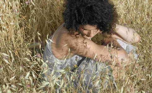 """״גיליתי שמש״- נדב נדלר על """"בעברית"""" של רות דולורס וייס"""