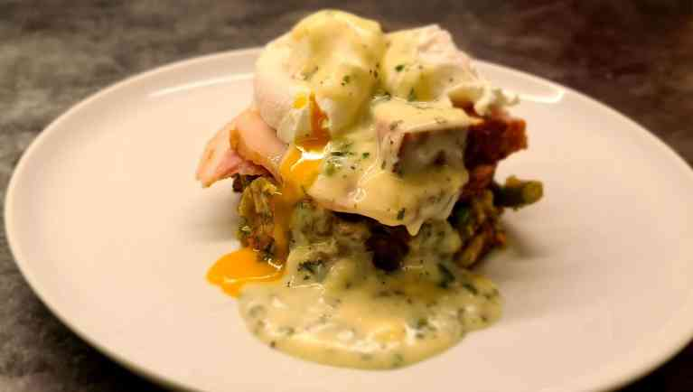Read more about the article Bubble and Squeak with Parsley Sauce