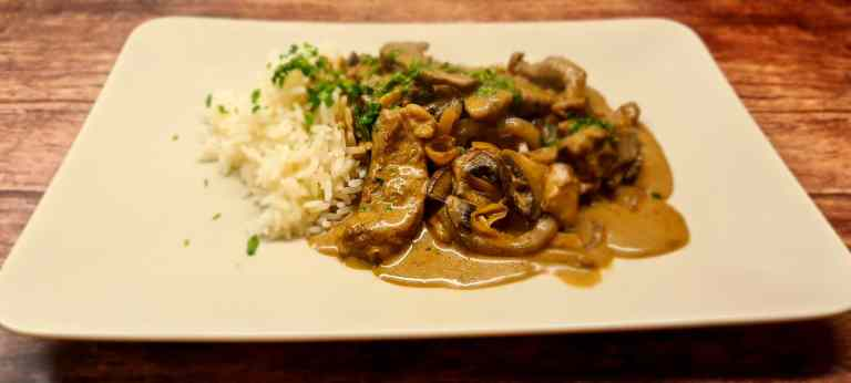 Read more about the article Healthy Beef Stroganoff