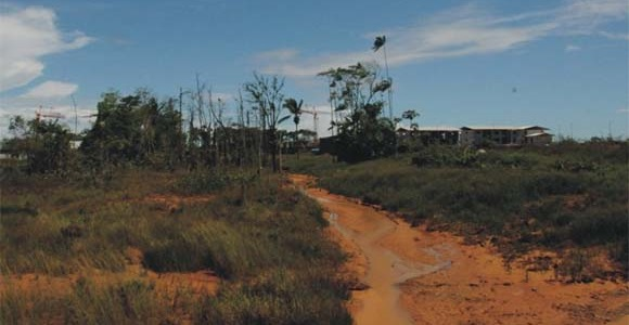©V.Morel. Coulée verte coupée de son écosystème. Mai 2012