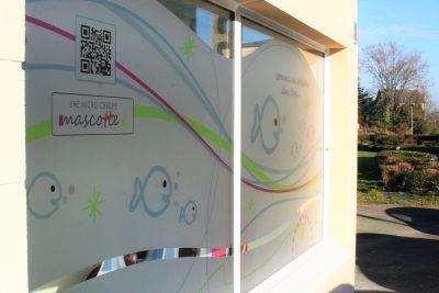 Création signalétique sur mesure - By com-empreintes creche mascotte villecresnes -94 val de marne facade2