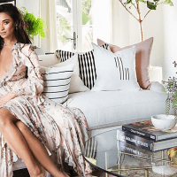 A estilosa nova casa da atriz Shay Mitchell