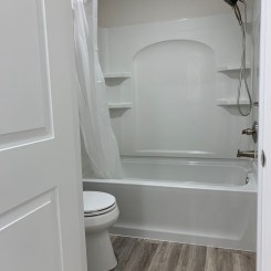 Tub/toilet