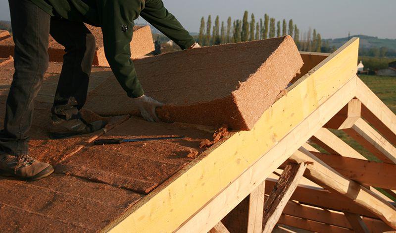 Isolation du toit par pose laine à l'extérieur