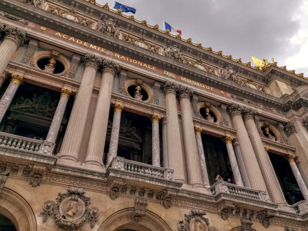 Foto van de Academie Nationale de Musique in Parijs. De foto is getrokken met een Huawei P20 Pro telefoon.
