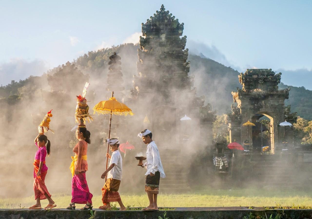 Bali temple mothe besakih come2indonesia
