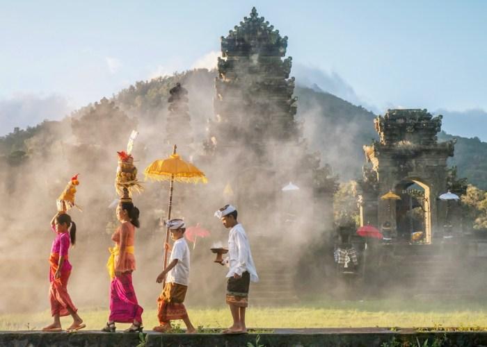 Bali templo mothe besakih come2indonesia