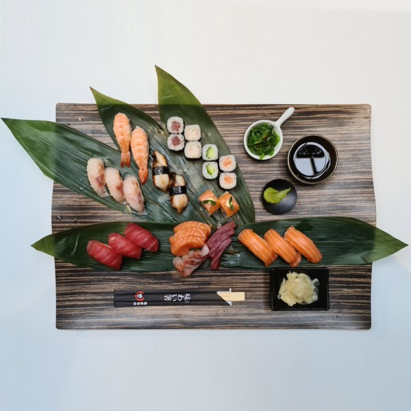 Sushi Box 32 pieces Sushi Delivery Luxembourg Come Delivery 1