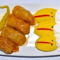 Comida Rumana Sarmale con Mamaliga Restaurante SOL y MAR