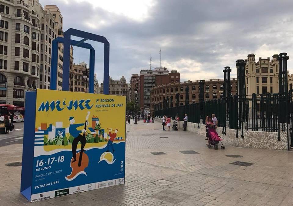 La Regidoria celebra el Festival Mar i Jazz del Marítim amb bosses gegants