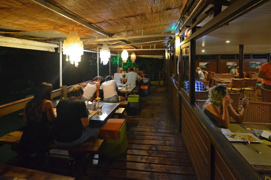 Varanda restaurante fernanado de noronha comerdormirviajar.com (26)
