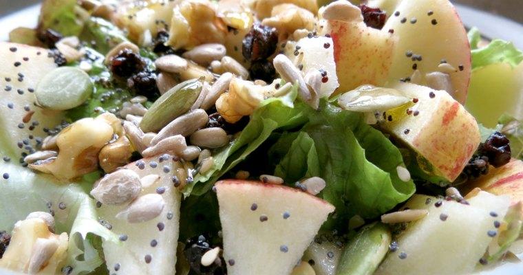 Salada Nutritiva com Fruta e Sementes