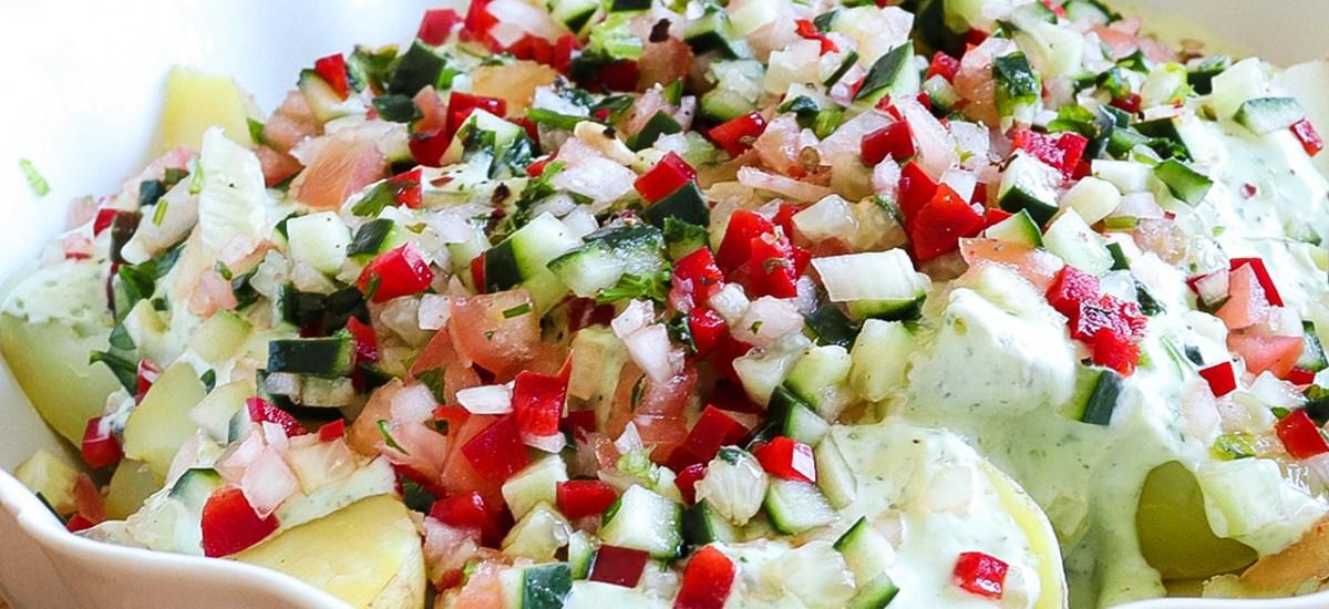 Salada de Batata com maionese de Pepino, Tomate, Pimento e Cebola