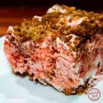 Frozen strawberry crumble crunch cake - perfect summer treat.