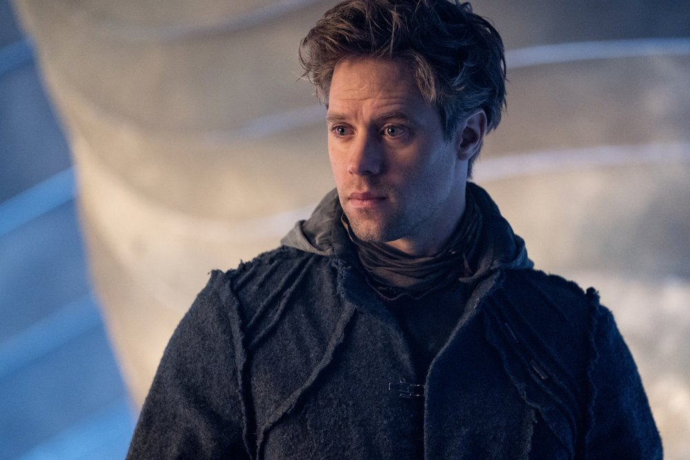 "KRYPTON -- ""Savage Night"" Episode 108 -- Pictured: Shaun Sipos as Adam Strange"