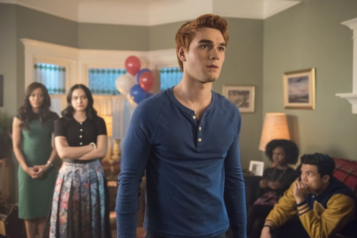 "Riverdale -- ""Chapter Thirty-Five: Brave New World"" -- Pictured (L-R): Robin Givens as Sierra McCoy, Camila Mendes as Veronica, KJ Apa as Archie, Ashleigh Murray as Josie and Charles Melton as Reggie"