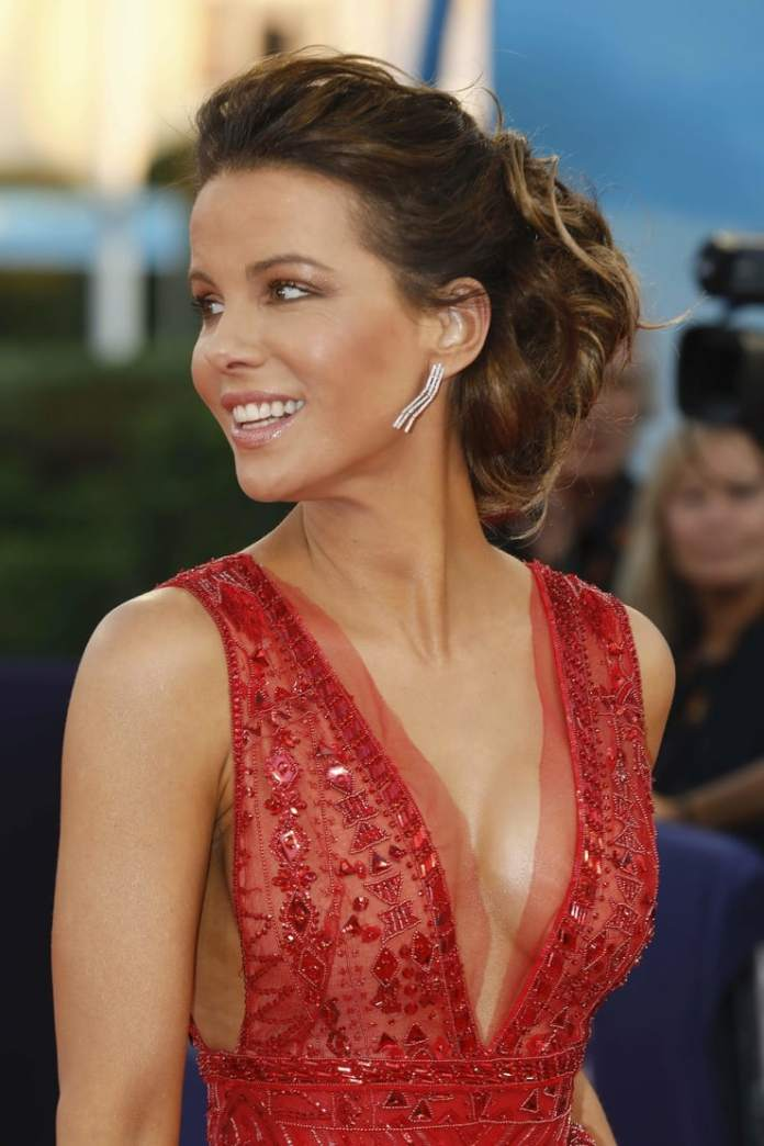 61 Kate Beckinsale Sexy Pictures Prove She Is An Epitome ...