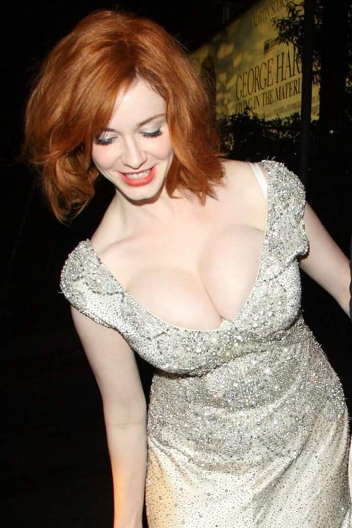 62 Christina Hendricks Sexy Pictures Will Get You Hot Under Your Collars  Cbg-2750