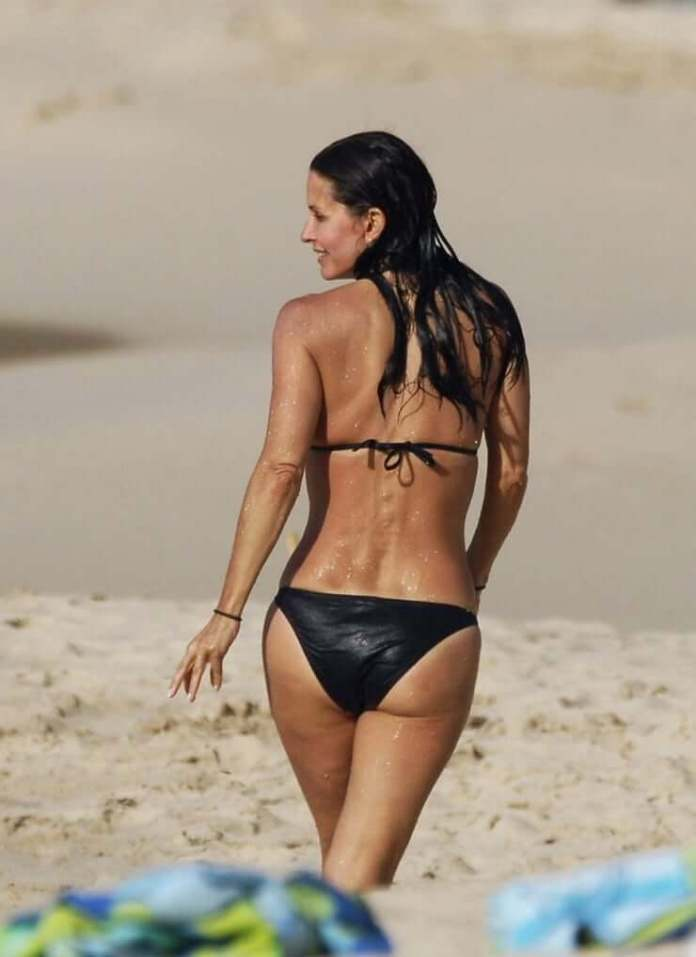 courteney cox butt