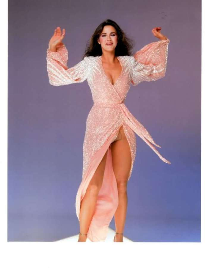 lynda carter feet