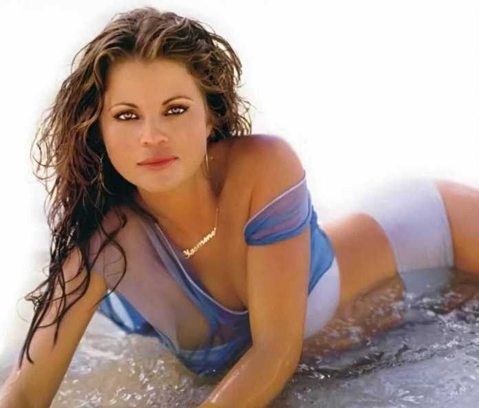 yasmine bleeth hot