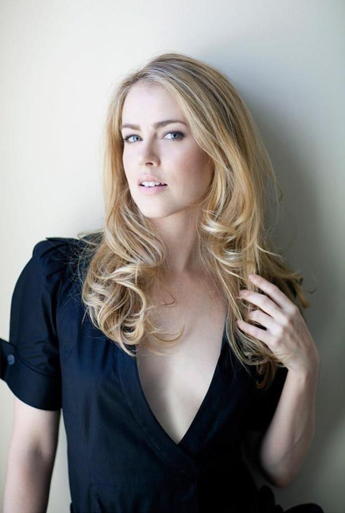 41 Hot & Sexy Pictures Of Amanda Schull | CBG