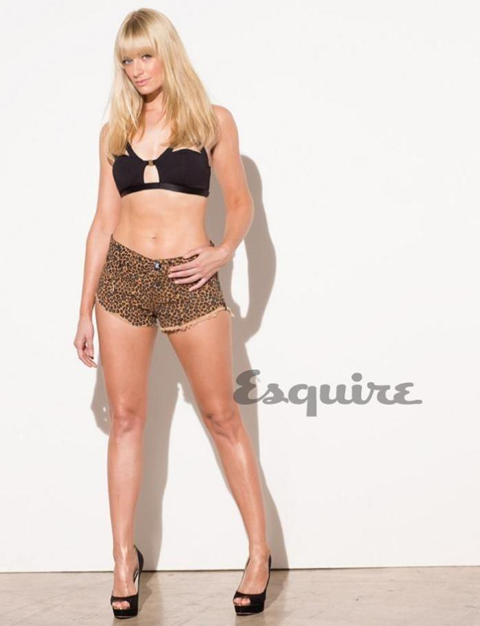 Beth Behrs sexy pic