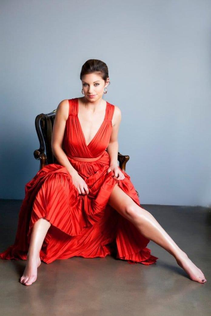 Bianca Kajlich sexy pics