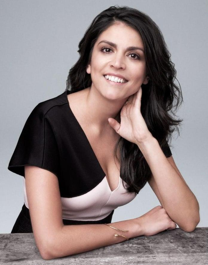 Cecily Strong sexy pic