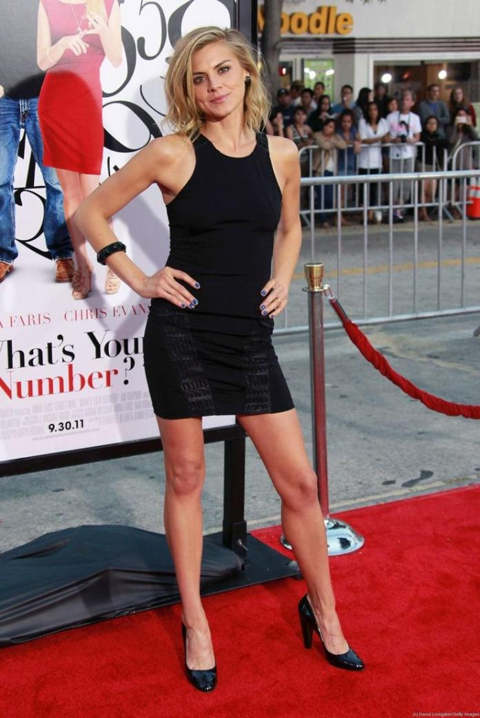Eliza Coupe hot pic