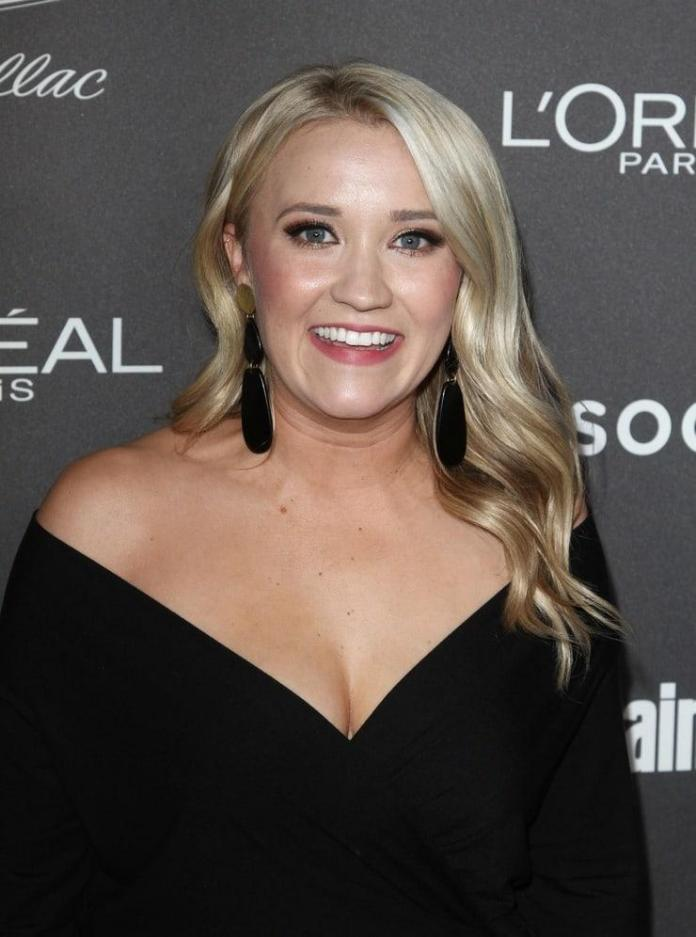 Emily Osment sexy pic