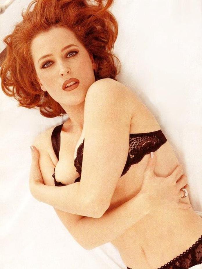 Gillian Anderson hot