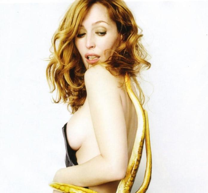 Gillian Anderson sexy pics
