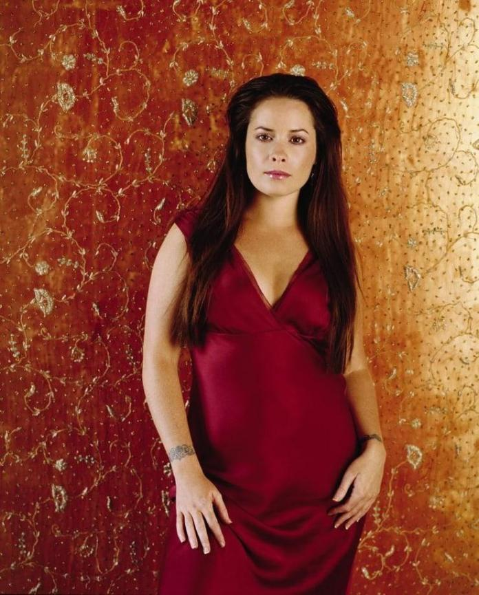 Holly Marie Combs sexy photo