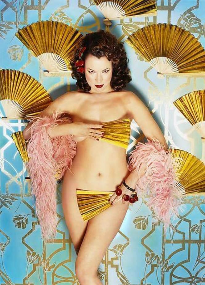 Jennifer Tilly hot