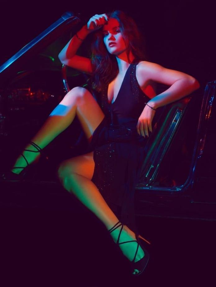 Lily James sexy pics