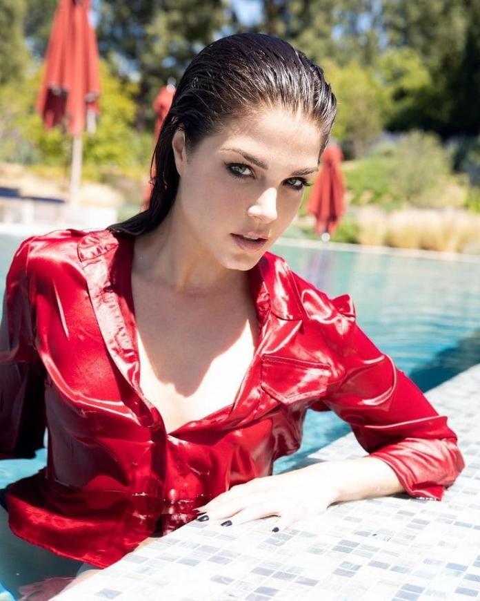 Marie Avegropoulos hot look