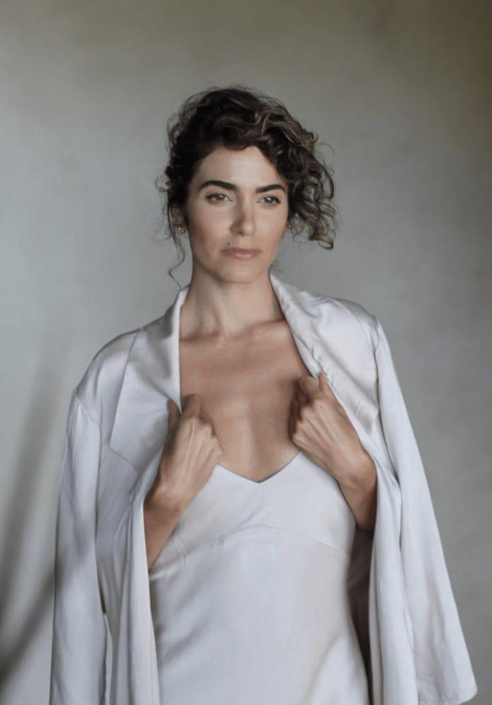Nikki Reed sexy photo
