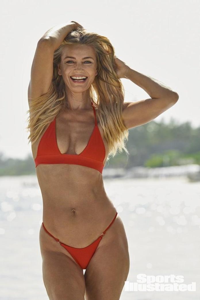 Paulina Porizkova sexy pics