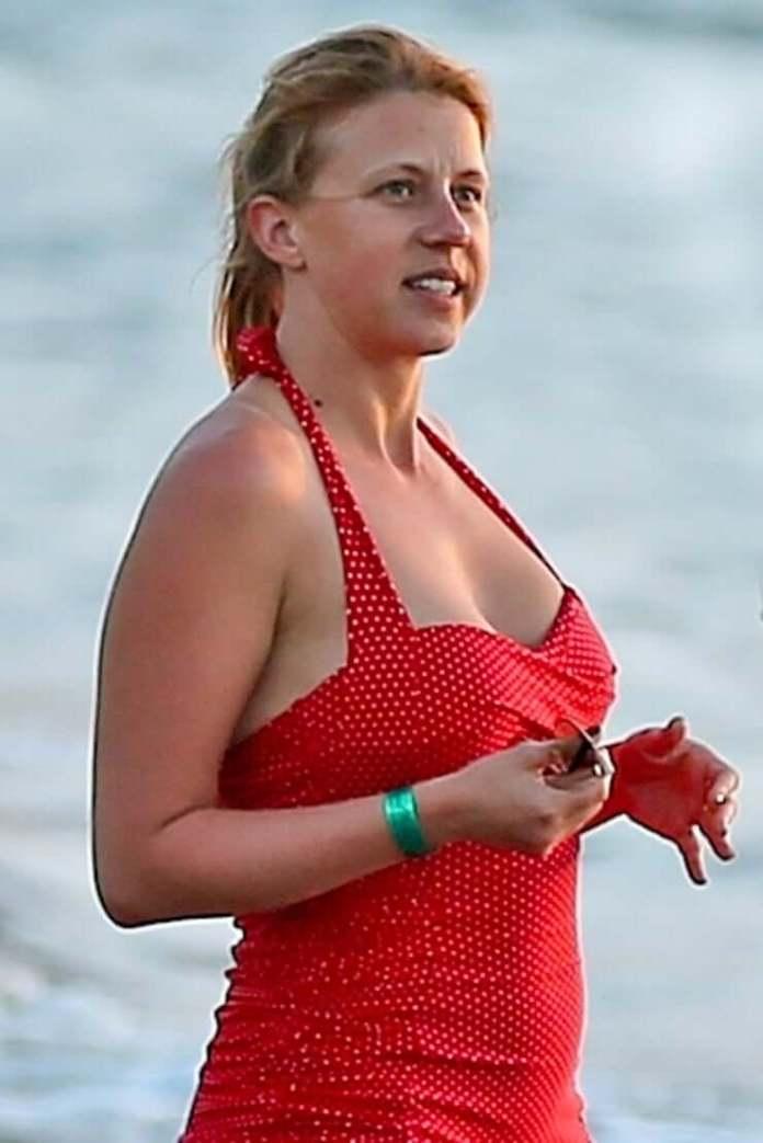 jodie sweetin red bikini pic