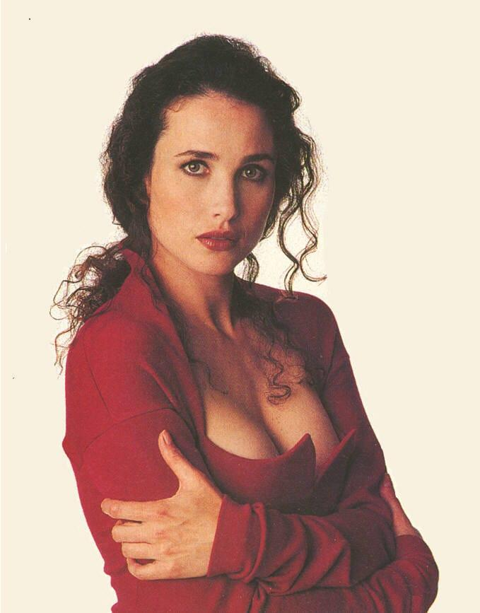 Andie MacDowell sexy