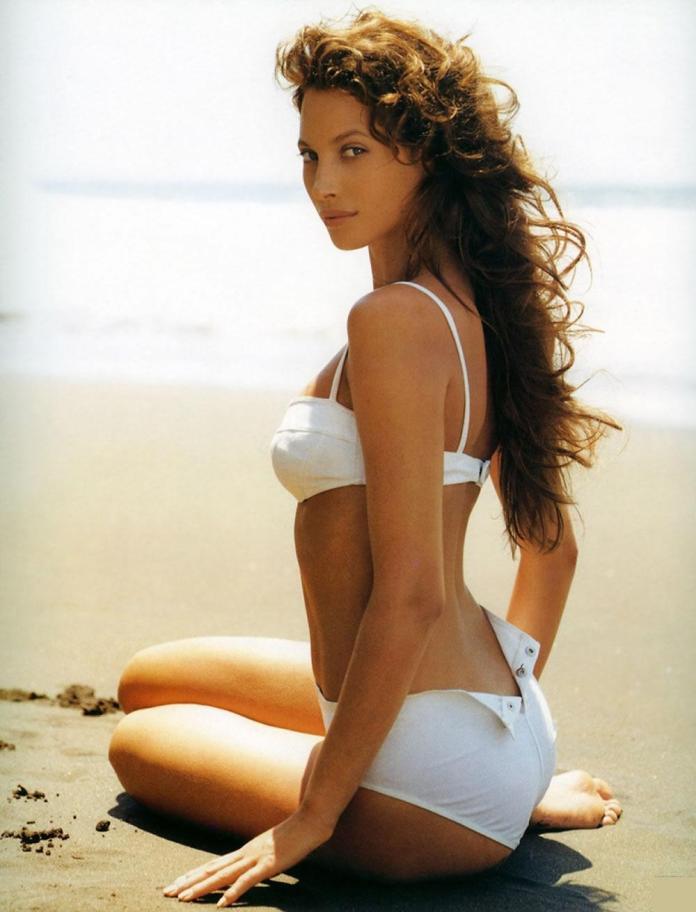 Christy Turlington Burns sexy pic