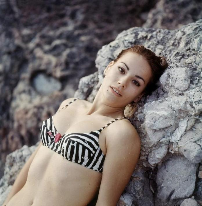 Claudine Auger hot look
