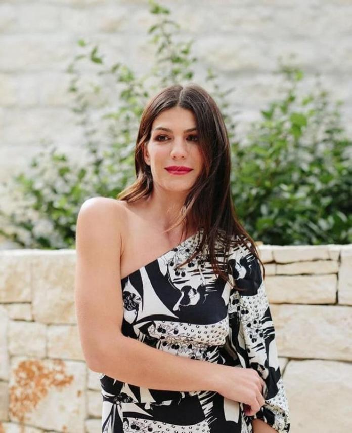 Genevieve Padalecki hot look