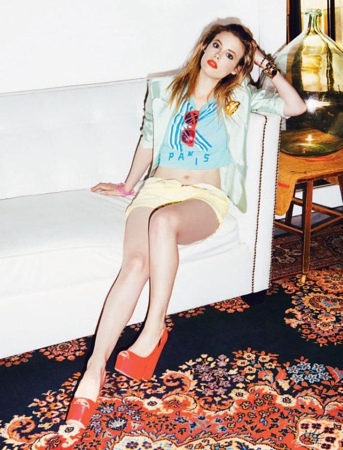 Gillian Jacobs hot look